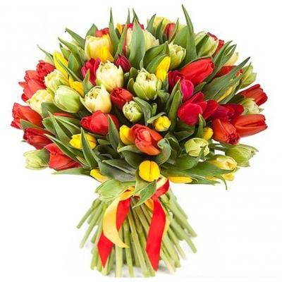 Красные и желтые тюльпаны
